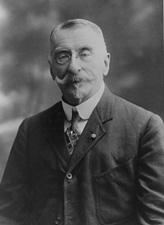 Henry A. du Pont (R-DE)