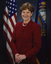 Photo of Senator Jeanne Shaheen